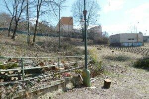 V tejto časti areálu amfiteátra by mala byť lanová dráha.