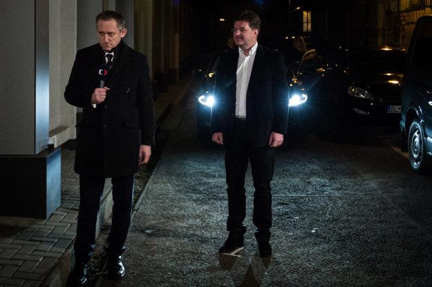 Minister zahraničných vecí Miroslav Lajčák už tiež z centrály odišiel.