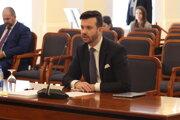 Kandidát na sudcu Ústavného súdu SR Miloš Maďar počas druhého kola vypočúvania kandidátov na sudcov Ústavného súdu SR v rámci schôdze Ústavnoprávneho výboru Národnej rady SR.