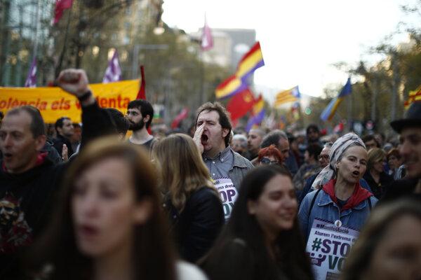 Španieli protestovali proti krajnej pravici.