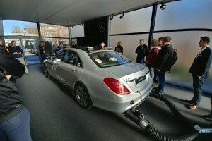 Autonómny Mercedes-Benz S500