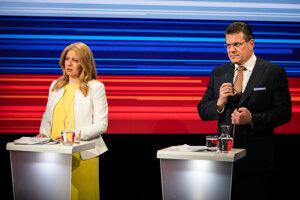 Kandidáti na prezidenta Zuzana Čaputová a Maroš Šefčovič počas televíznej relácie Voľby prezidenta SR 2019 - duel kandidátov pred druhým kolom voľby prezidenta Slovenskej republiky 2019, vysielanej RTVS.