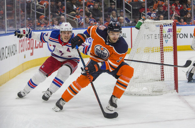 Andrej Sekera v drese Edmontonu Oilers.