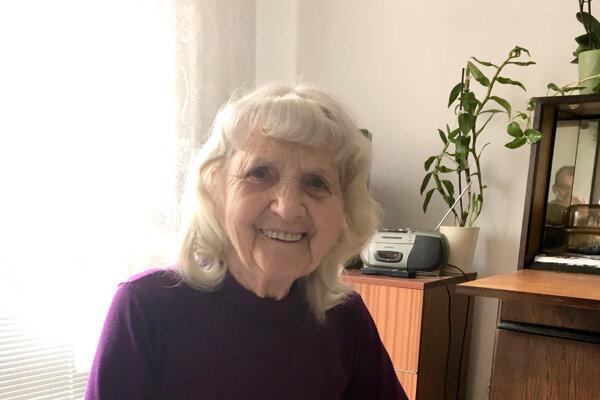 Běla Takáčová prišla do Nemčíc doopatrovať svokrovcov. Dnes žije v topoľčianskom domove dôchodcov.