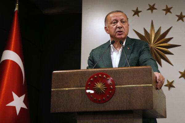 Turecký prezident Recep Tayyip Erdogan sa vyjadruje k výsledkom volieb.