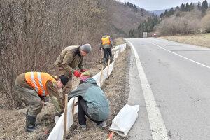 Budovanie ochrannej bariéry.