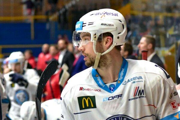 Obranca Graeme McCormack prispel presilovkovým gólom k dôležitému víťazstvu.