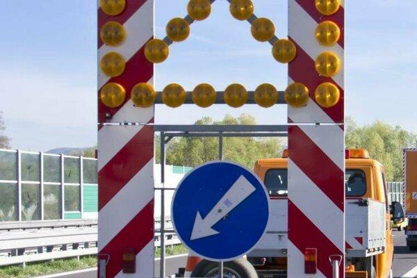 Na rýchlostnej ceste R1 sa treba pripraviť na obmedzenia.