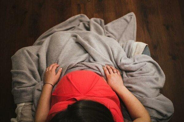 V nesprávnej polohe sa zníži prekrvenie maternice, placenty a plodu.