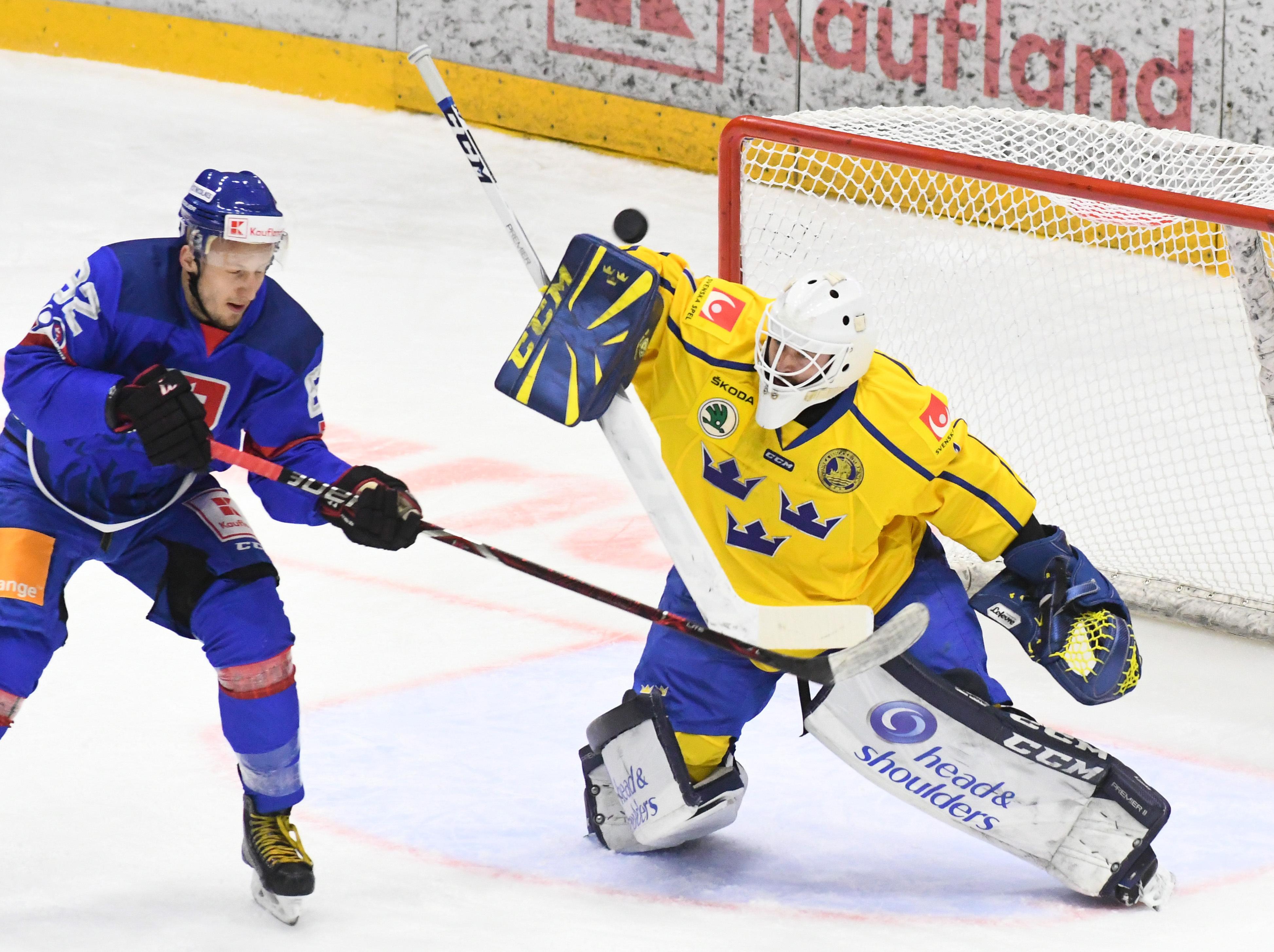 5c4a3919a1857 Švédsko zdolalo Slovensko v príprave MS v hokeji 2019 - Šport SME