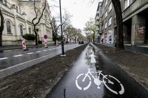 Cyklotrasa na Blumentálskej ulici.