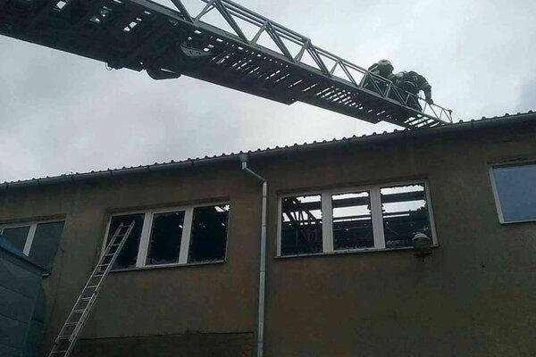 Zo zásahu hasičov Horovciach.