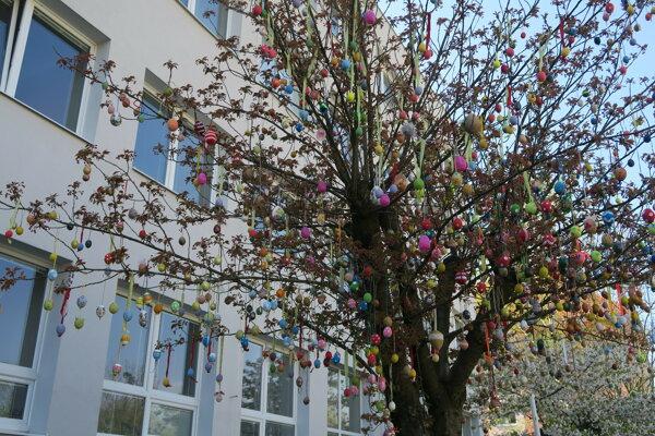 veľkonočný strom vo Veľkom Krtíši.
