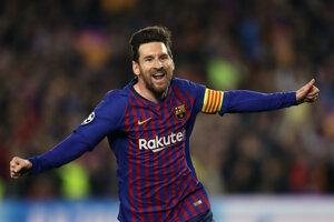 Hráč Barcelony Lionel Messi oslavuje úvodný gól do bránky Manchesteru United v 2. zápase štvrťfinále Ligy majstrov FC Barcelona - Manchester United na štadióne v Barcelone 16. apríla 2019.