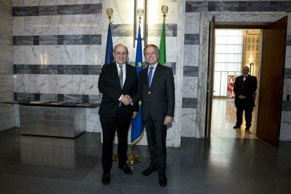 Taliansky minister zahraničia Enzo Moavero Milanesi so svojím francúzskym partnerom Jeanom-Yvesom Le Drianom.