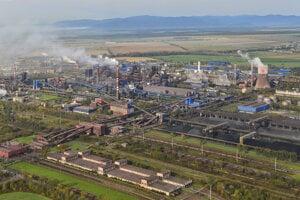Pohľad na komplex bývalých Východoslovenských železiarní. Dnes sú súčasťou nadnárodnej spoločnosti U.S Steel.