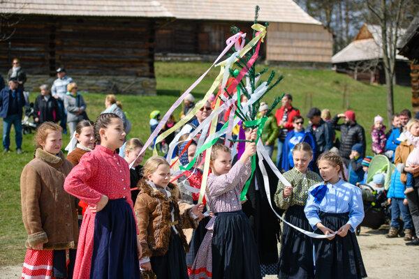 Folklórny súbor Lysec.