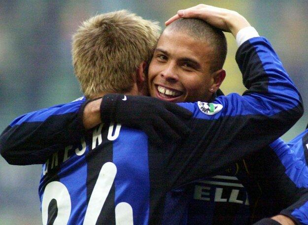 Greško si zahral aj s vtedajším najlepším hráčom sveta brazílskym Ronaldom