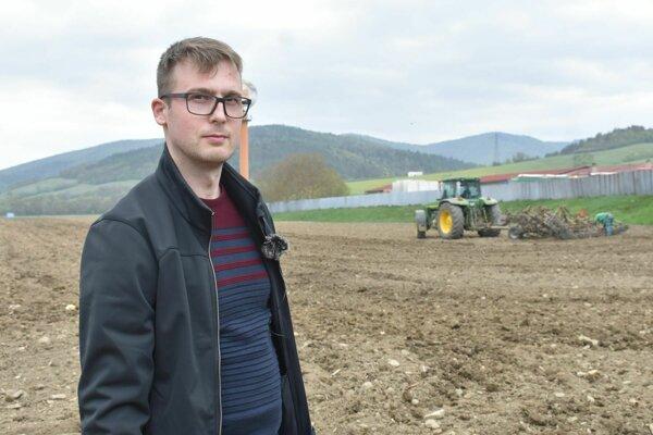 Predseda Poľnohospodárskeho družstva Mestečko Peter Ježo hovorí, že tento apríl je enormne suchý.