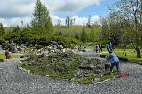 Botanická záhrada v Tatranskej Lomnici je po zime opäť otvorená.