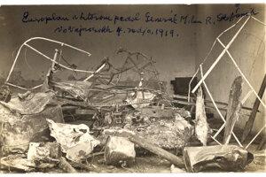 Dobový nápis hlása, že ide o aeroplán, v ktorom padol Štefánik.
