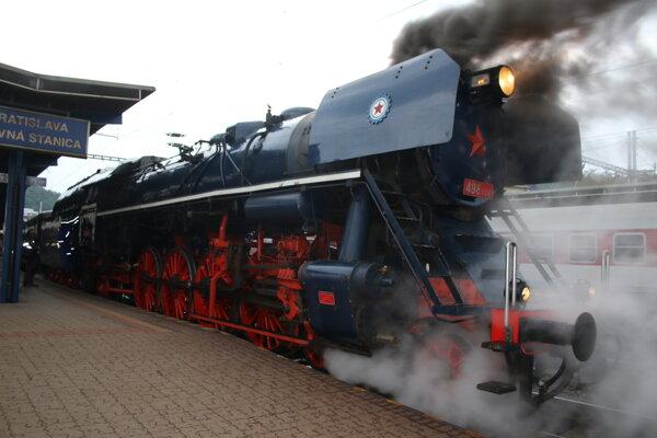 Vlak Albatros smeruje z Bratislavy do Košíc.