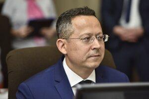Minister financií Ladislav Kamenický zo Smeru.
