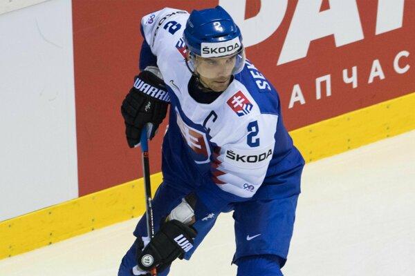 Andrej Sekera ako kapitán slovenskej reprezentácie na MS v hokeji 2019.