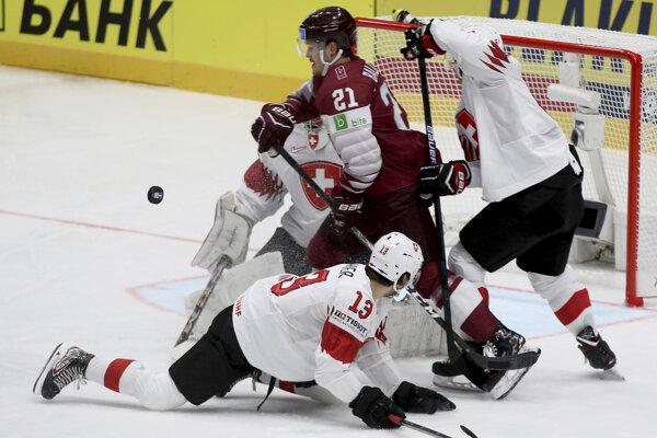 Momentka zo zápasu Lotyšsko - Švajčiarsko.