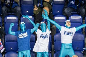 Fanúšikovia sa chodia na MS v hokeji najmä baviť.