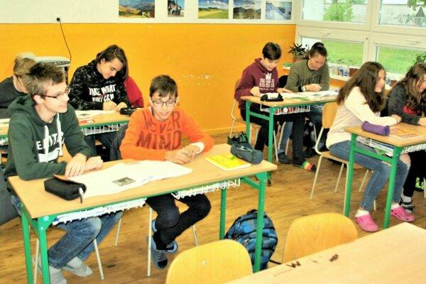 Popredné umiestnenia v rebríčku slovenských škôl získava tiež ZŠ Alexandra Dubčeka v Martine, sčasti i pre výborné výsledky ich intelektovo nadaných detí.
