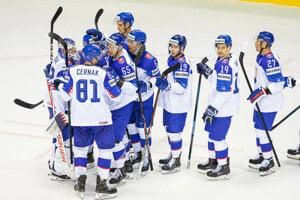 Momentka zo zápasu Slovensko - Francúzsko na MS v hokeji 2019, radosť domácich z víťazstva.