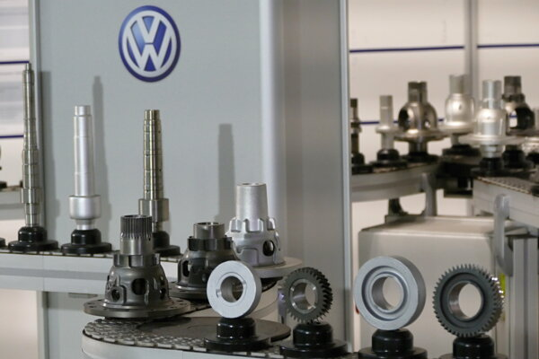 Výrobný sortiment závodu Volkswagen Slovakia v Martine. Martinský závod vyrobil 500-miliónty komponent - zostavu diferenciálu, ktorá sa montuje do manuálnych šesťstupňových prevodoviek.