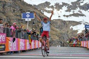 Ilnur Zakarin víťazí v horskej 13. etape pretekov Giro d'Italia z Pinerola do Ceresole Reale (196 km) 24. mája 2019.