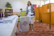 Zuzana Čaputová volila v Pezinku.