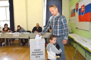 Voľby v Košiciach boli pokojné.