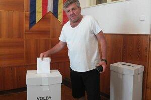 Miroslav chce poslancov, ktorí budú zastupovať záujmy Slovenska, no tak, aby Európska únia napredovala ako celok.