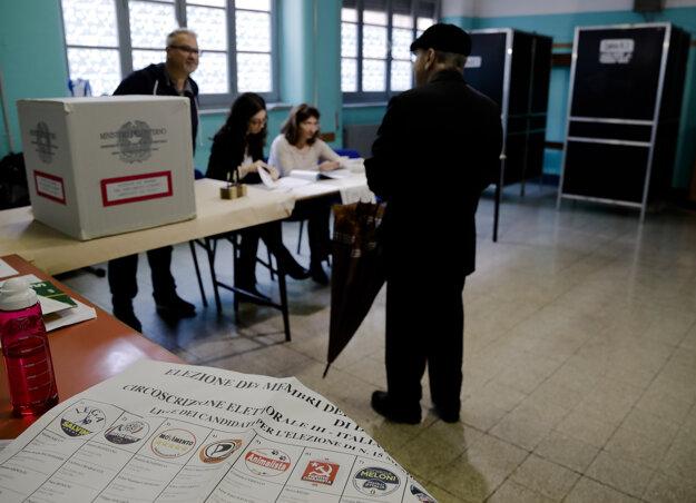 V Taliansku sa zatvoria volebné miestnosti ako posledné.