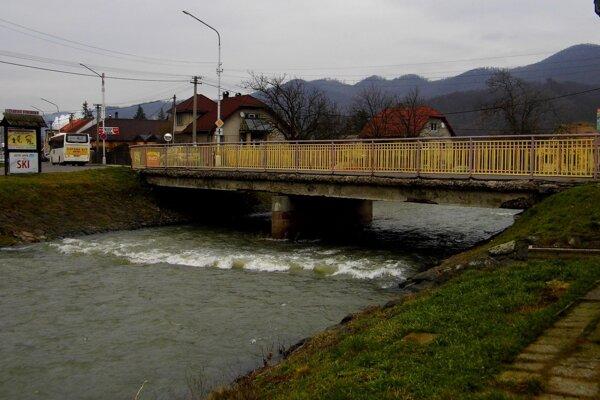 Most na Bystrickej ulici. Je v zlom stave a žiada si opravu.