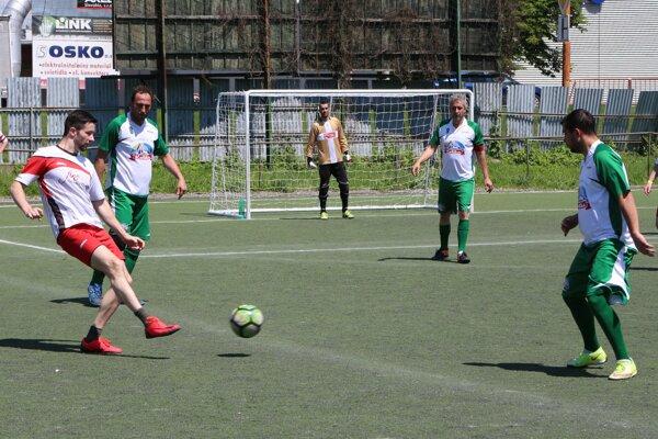 Z treťoligového zápasu Torro-Koliba - Fine.