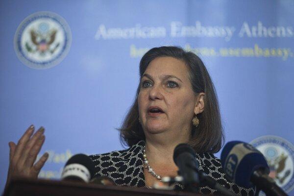 Námestníčka amerického ministra zahraničných vecí Victoria Nulandová počas tlačovej konferencie na americkom veľvyslanectve v Aténach.