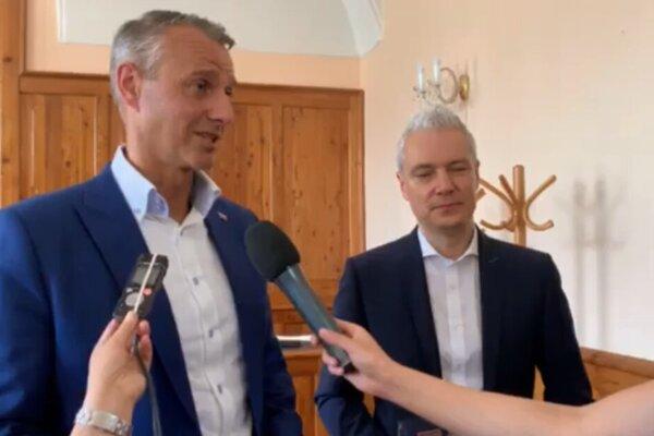 Podpredseda vlády SR pre investície a informatizáciu Richard Raši a primátor Kežmarku Ján Ferenčák.