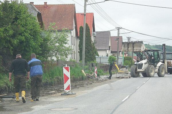 Obec pokračuje v rekonštrukcii chodníkov.