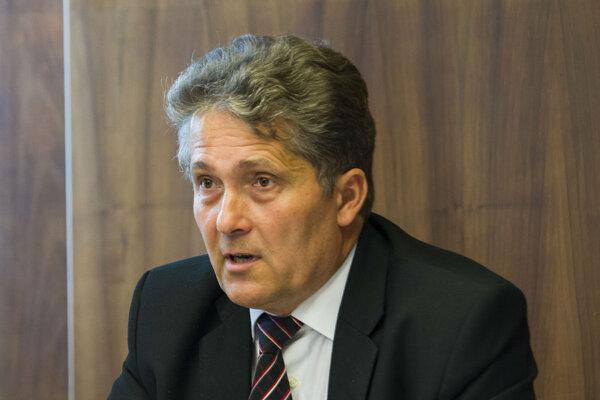 Predseda Výboru Národnej rady SR pre vzdelávanie, vedu, mládež a šport Ľubomír Petrák.
