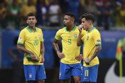 Brazílski futbalisti Roberto Firmino (vľavo), Gabriel Jesus (v strede) a Philippe Coutinho v zápase Brazília - Venezuela na Copa América 2019.