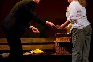 S manželkou Adrianou v jej hre Zoznamka, ktorá sa s divákmi lúčila pred nejakým časom po sto reprízach.