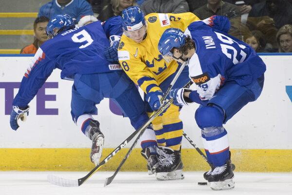 Michal Ivan (vpravo) v reprezentačnom drese.