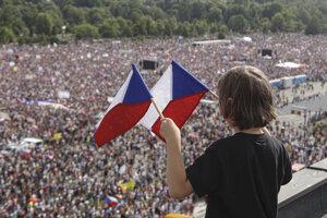 Česi žiadajú nezávislosť justície a lepšiu vládu.