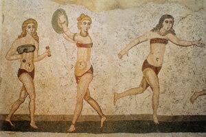 Ženy v dvojdielnom športovom odeve sú zobrazené na rímskych mozaikách z  3. storočia pred.n. l. Boli objavené neďaleko mesta Piazza Armerina na Sicílii.