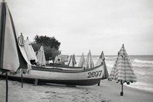 Dostať sa k moru počas minulého režimu bola skôr výnimka. Ľudia chodili buď k domácim vodným nádržiam alebo k Balatónu. Na snímke pláž vo Varne.